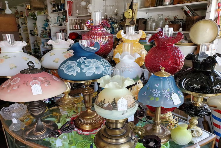 Finding Antiques With a Good Eye